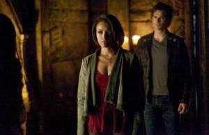 The Vampire Diaries: season finale tem guerra com os viajantes 1