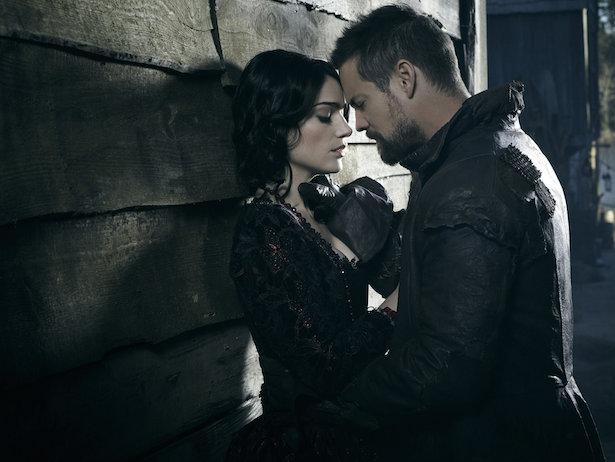 Salem: Tituba tenta fazer acordo com John Alden