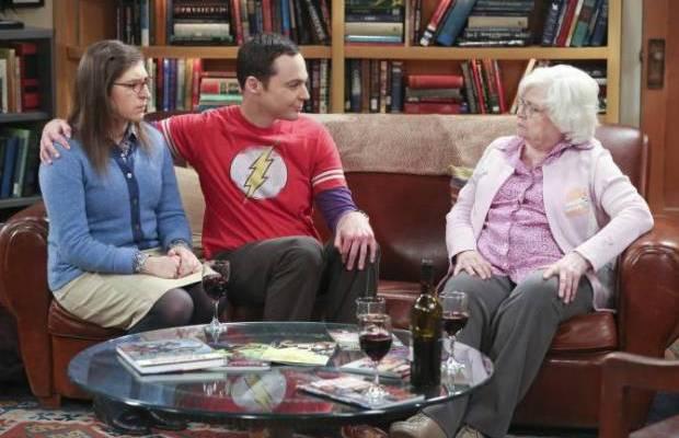 The Big Bang Theory: Sheldon apresenta Amy para a avó