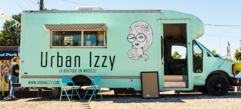 Urban-Izzy-Mobile-Boutique-1191