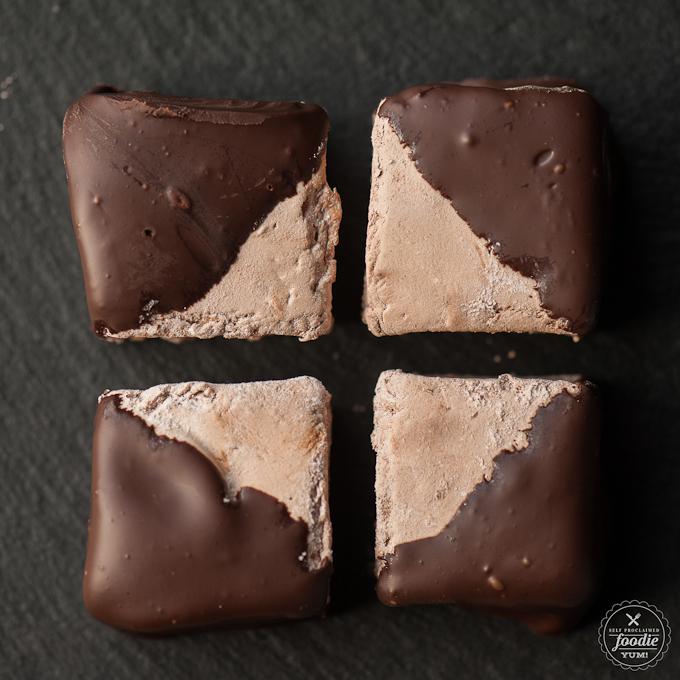 homemade-chocolate-marshmallows-dip