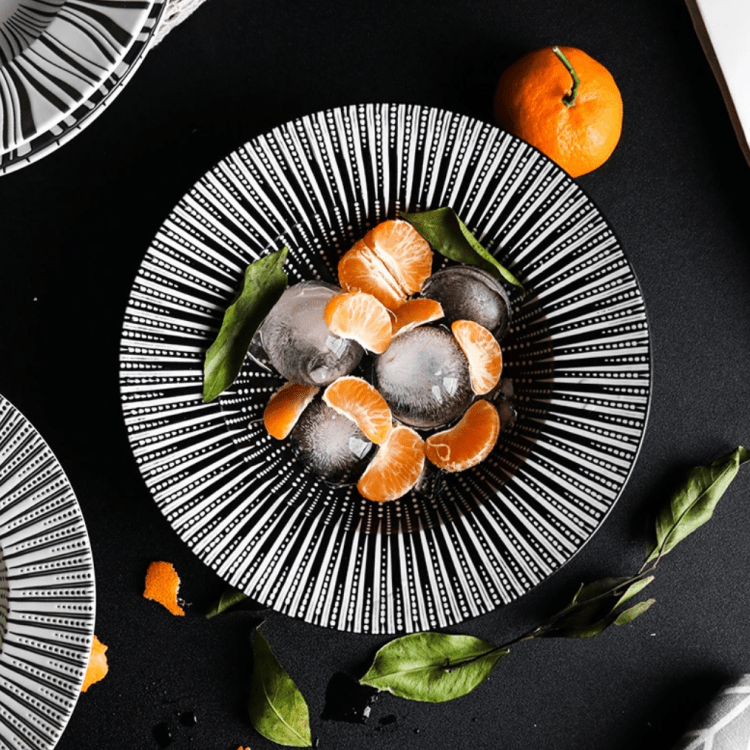 Black And White Straw Hat Plates
