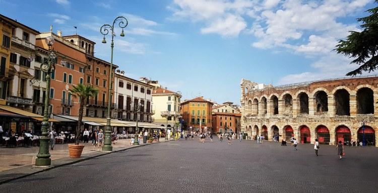 Piazza Bra Verona_Popsicle Society