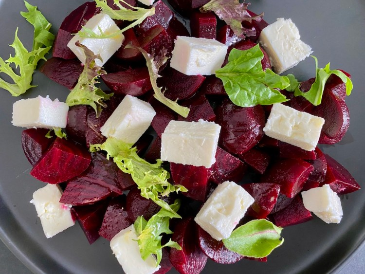 PopsicleSociety-Beetroot and feta cheese salad_5298