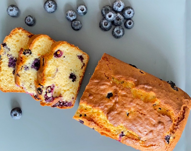 PopsicleSociety-Blueberries, coconut and yogurt cake_7425D