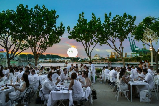Diner en Blanc 2017 Singapore photo Chab Events Crowd 6