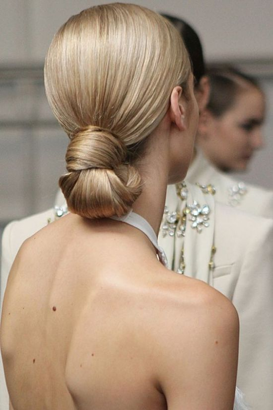 simple and classic wedding hair