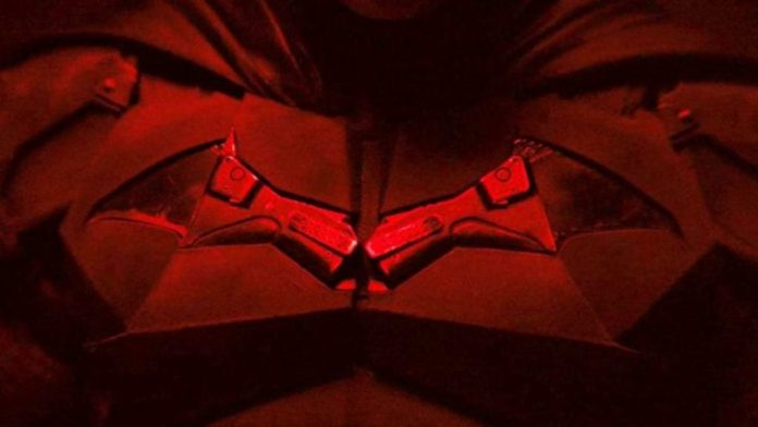 Robert Pattinson The Batman batsuit (2021)