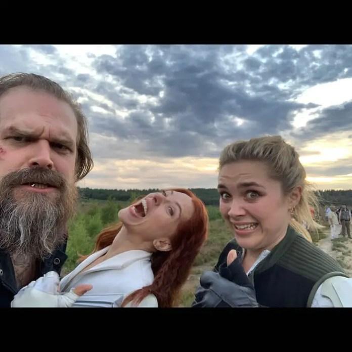 Selfie with Black Widow cast