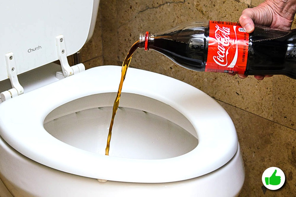 10 Amazing Uses You Never Knew About for Coca-Cola - Coca-Cola Used as Toilet Cleaner