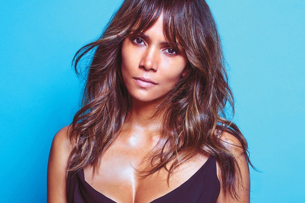 20 Sexy Celebrities You Won't Believe Are in Their 50's - Halle Berry