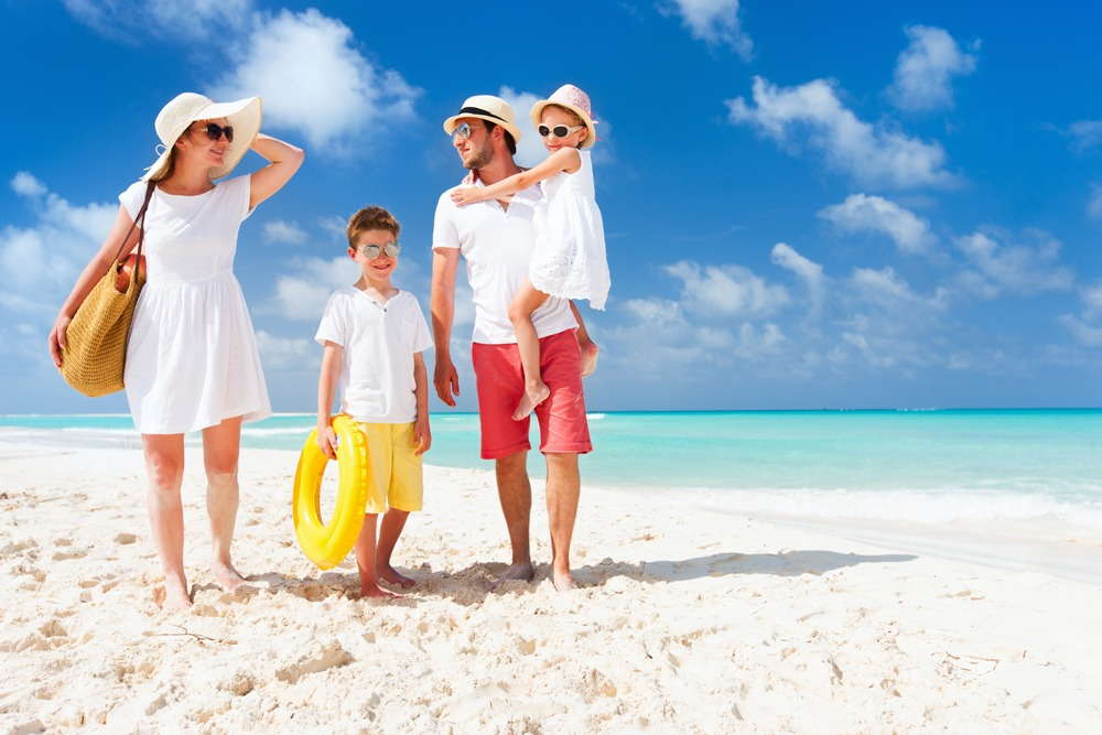 2017 Best Family Vacation for All Ages Around the World - Family Beach Trip