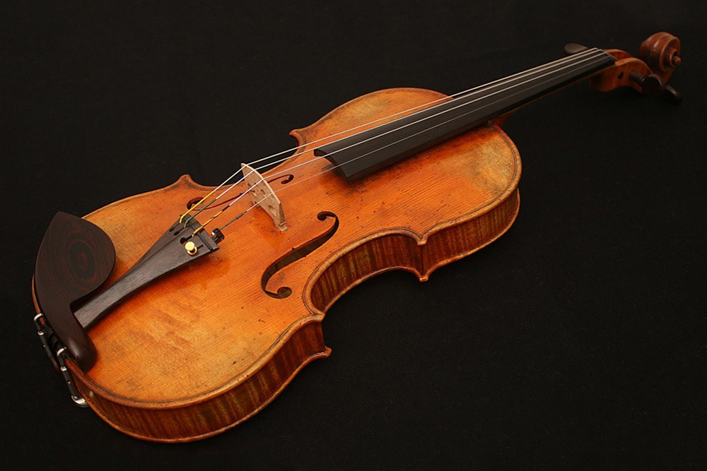 Most Expensive Auctions Items Ever Sold in History of Man - Guarneri Del Gesù Violin