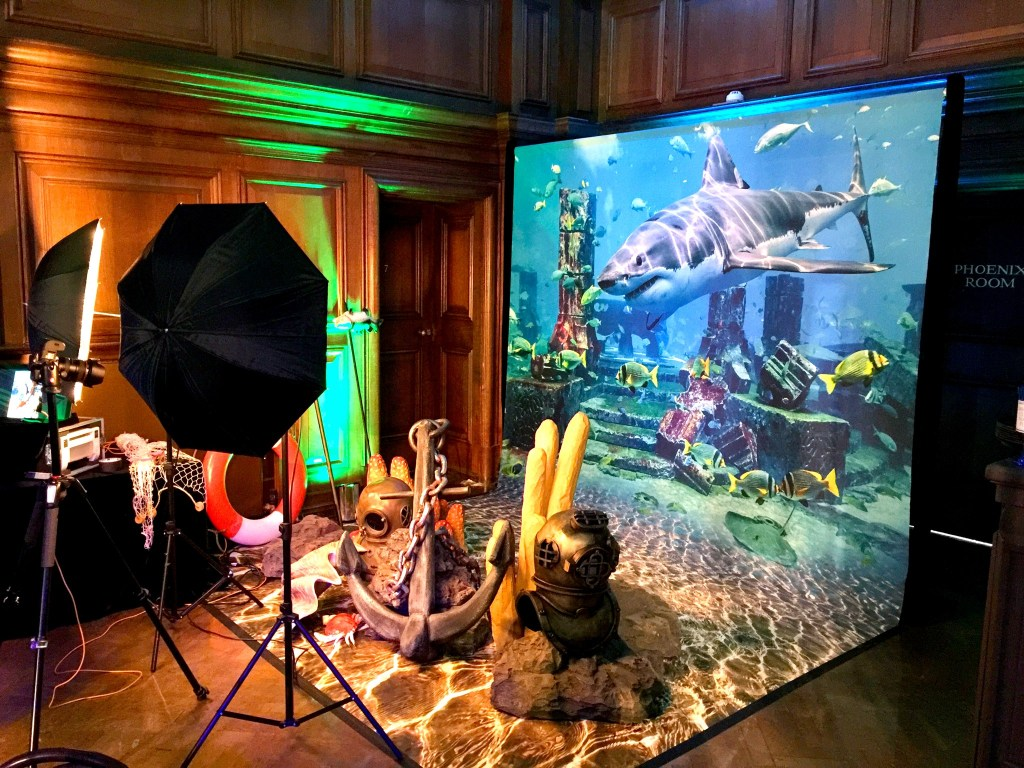 Aquarium I PopUp Photo Parlour