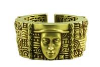 "Kieselstein Cord - Bracelet ""Women of the World""- Green Gold |Photography: ©2013 DEPARTMENTSTORE QUARTIER 206 KG"