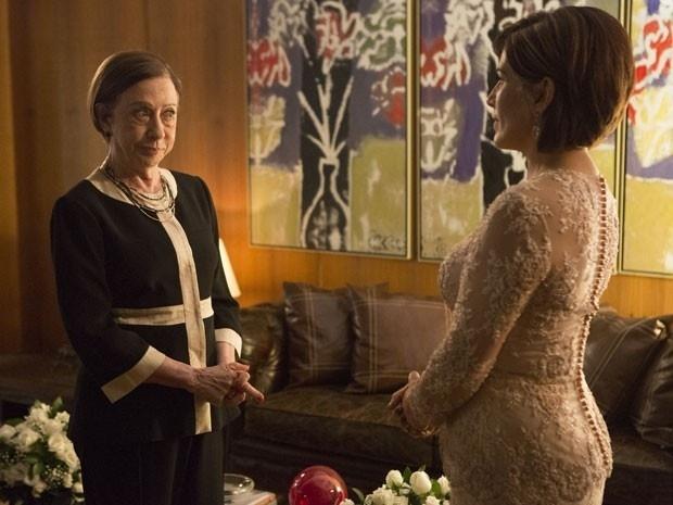 """Em """"Babilônia"""", Alice perde bebê, e Inês sugere que ela se case com ricaço"""