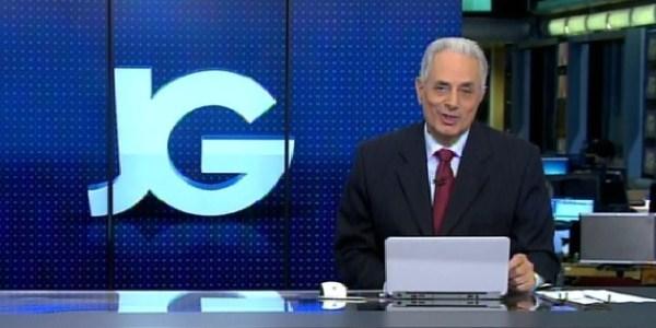 """""""Jornal da Globo"""" começa praticamente às 2h e William Waack ironiza atraso"""