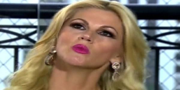 """Val Marchiori confirma separação e diz que """"vai demorar para amar de novo"""""""