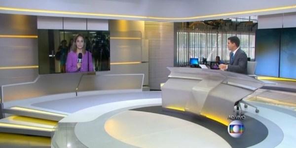 Desavisada, repórter se despede de âncora ausente em telejornal da Globo