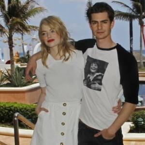 Após três anos de namoro, Emma Stone e Andrew Garfield dão um tempo