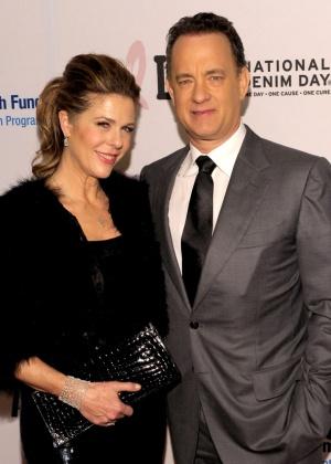 Mulher de Tom Hanks revela que passou por cirurgia de remoção de mamas