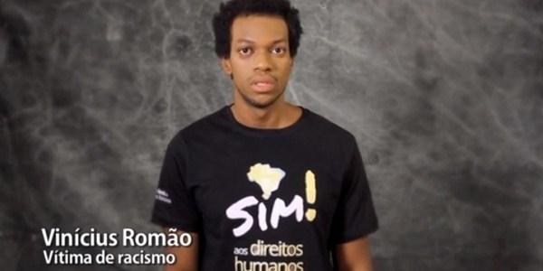 Acusado de roubo, ator preso por engano faz campanha em defesa da igualdade