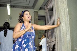 """Após cinco anos afastada, Solange Couto volta à TV Globo em """"Malhação"""""""