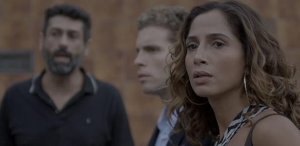 """Em """"Babilônia"""", Regina e Vinícius ficam chocados com a morte de Sebastião"""