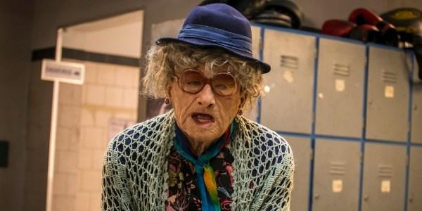 """Em """"Malhação"""", Gael se transforma em velhinha e fica irreconhecível"""