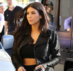 kim-kardashian-at-blu-jam-cafe-in-los-angeles-january-2015_2