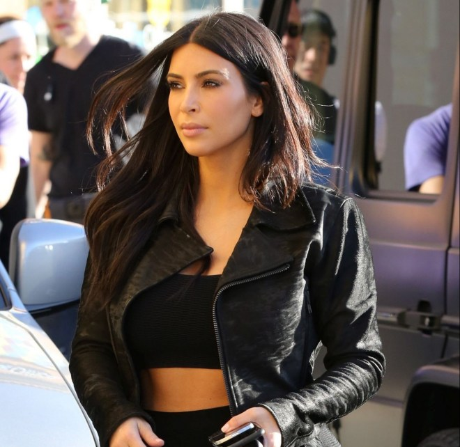 kim-kardashian-at-blu-jam-cafe-in-los-angeles-january-2015_2