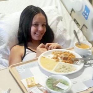 Larissa Manoela tem alta médica, mas ficará afastada de gravações de novela