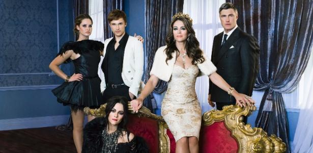"""Ator de """"Nárnia"""" se inspirou no príncipe Harry para a série """"The Royals"""""""