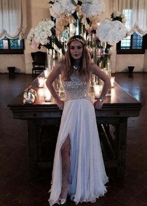 Lindsay Lohan saiu correndo pelada após casamento, diz jornal