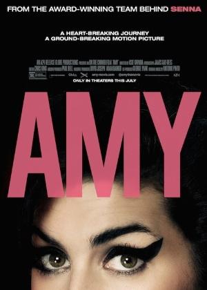 Pai de Amy Winehouse sai mal na fita em novo documentário sobre a cantora
