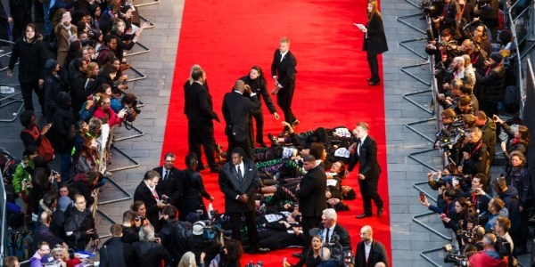 Protesto de feministas marca abertura do Festival de Cinema de Londres