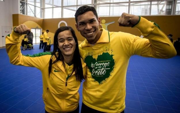 A expectativa é superar a melhor posição do Brasil, que foi o 7º lugar em Londres. Na foto estão Veronica Hipólito e Matheus Evangelista, da seleção brasileira de atletismo.