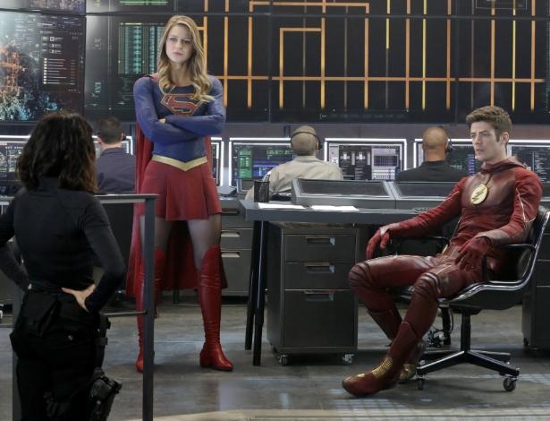 supergirl-e-flash-se-encontram-em-episodio-de-supergirl-1459192792571_615x470