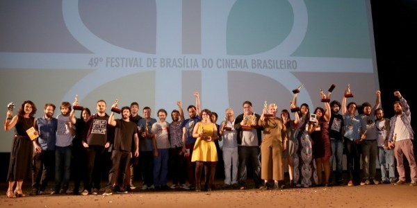 """""""A Cidade Onde Envelheço"""" é o grande vencedor do Festival de Brasília"""