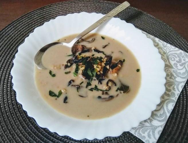 Zupa grzybowa na wywarze z suszonych grzybów