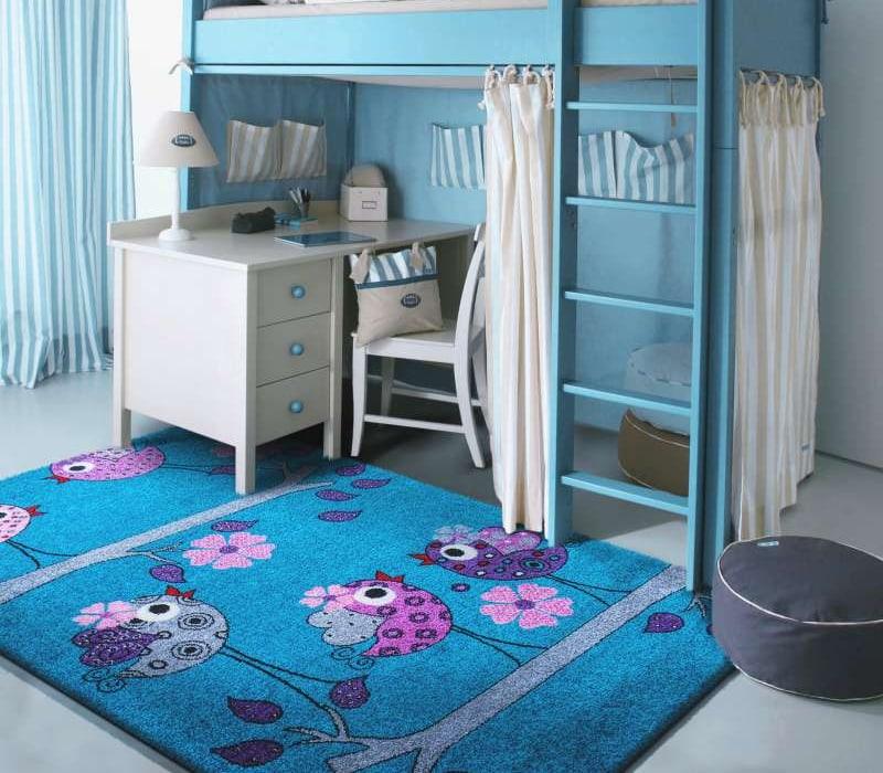 Niebieski dywan dziecięcy - hipoalergiczny