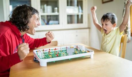 Zabawa z dzieckiem przy stole