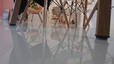 Photo of Aplicação de Porcelanato Liquido Branco Loja Infantil.