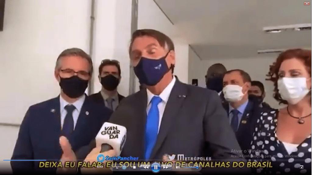 Bolsonaro ataca