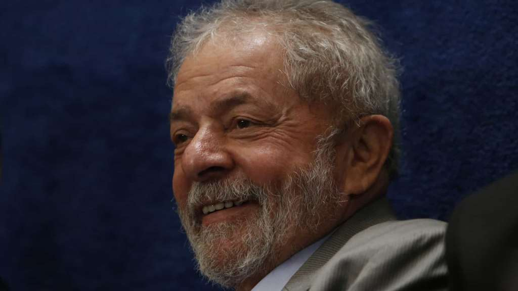 Lula é absolvido