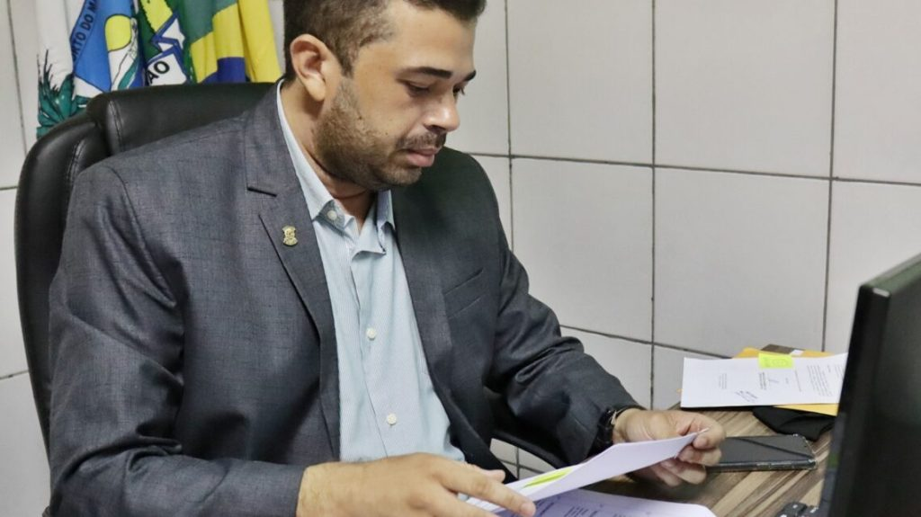 Presidente manda prefeito interino assumir