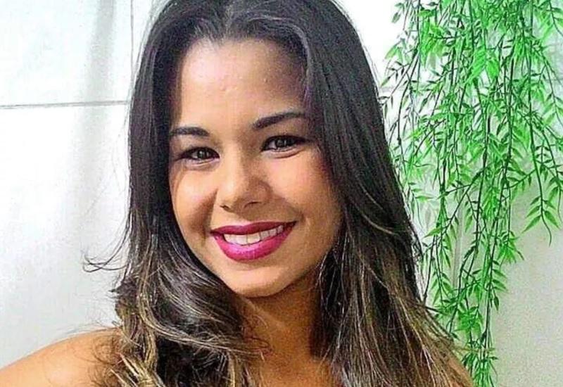 Zaira Cruz jovem de 22 anos