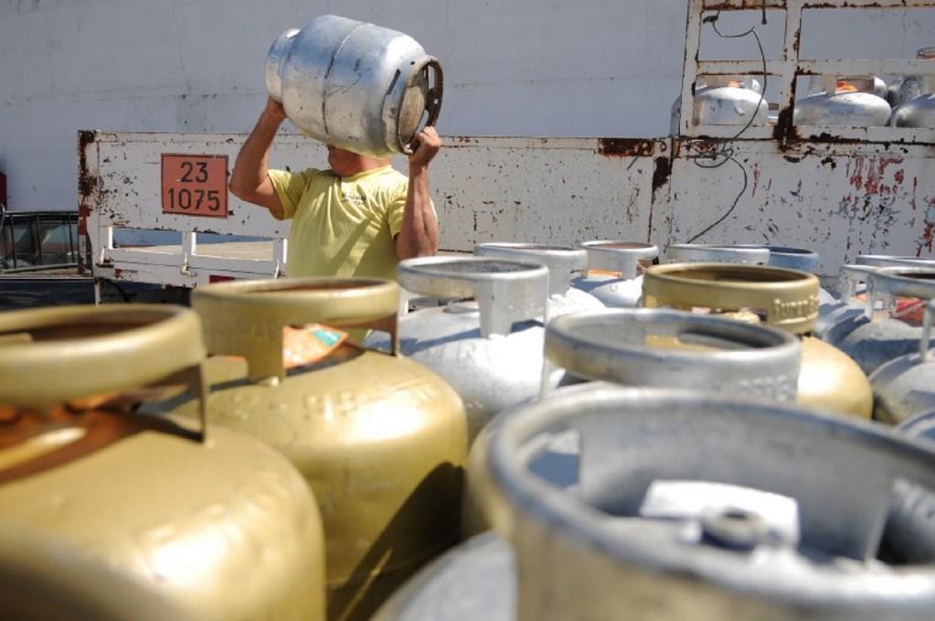 Preço do gás de cozinha tem nova alta e chega a R$ 115 no Rio Grande do Norte