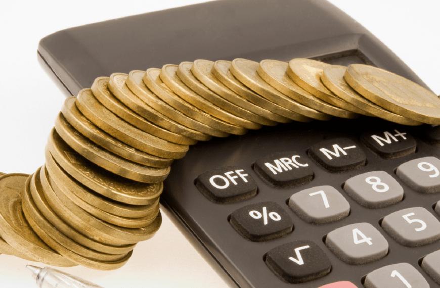 Governo revisa inflação no ano de 6,2% para 8,4% e conta deve estrangular Orçamento de 2022