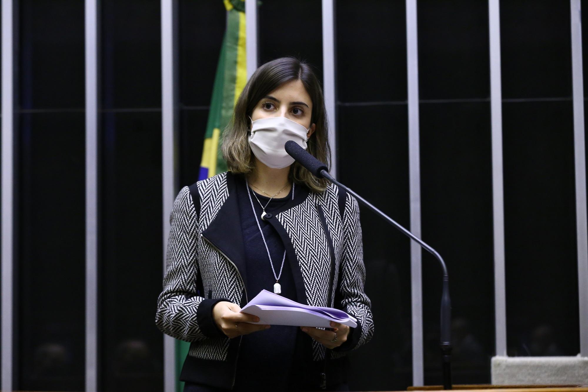 Zé de Abreu compartilha ameaça contra deputada Tábata Amaral